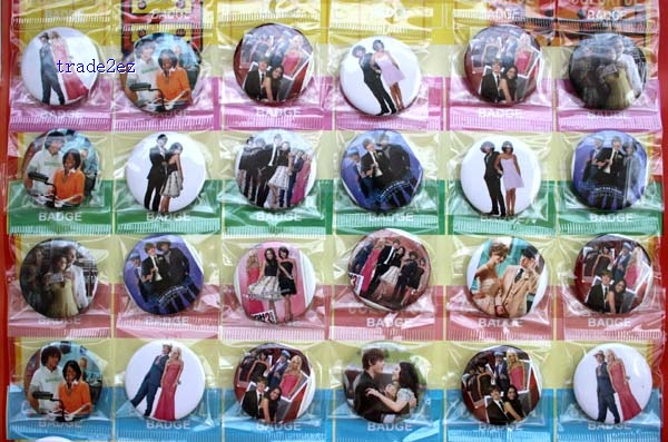 High School Musical 3cm badge new