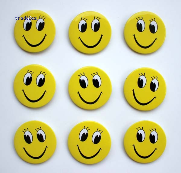 face smile 4.5cm badge new