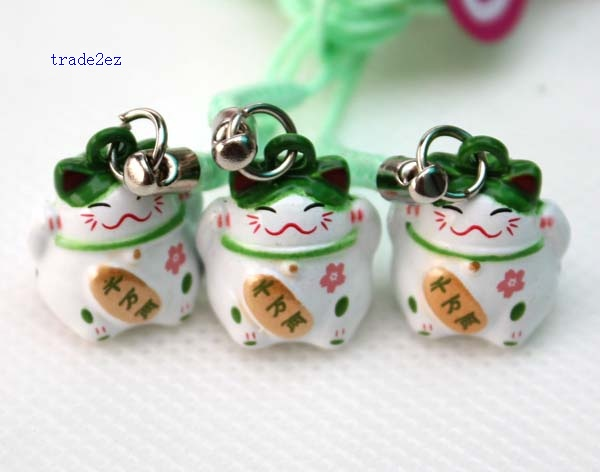 green white lucky cat ring