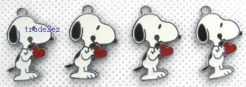 Snoopy With heart Figure Pendant Charms