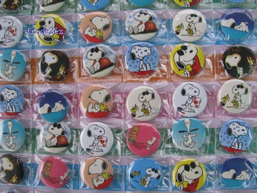 Snoopy Pins Badges Birthday Party 2.5 cm