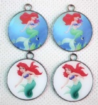 Mermaid round pendant